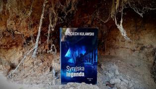 Recenzja Syryjskiej legendy na niezwykle popularnej stronie Literacki świat Cyrysi