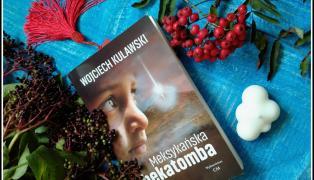 Recenzja Meksykańskiej hekatomby na blogu Żyć nie umierać.